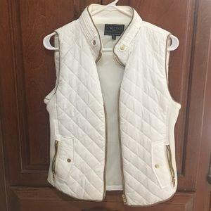 White vest size M, worn twice